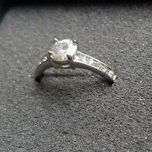 Jewelry - Gorgeous White Moissanite .88 ct Size 8